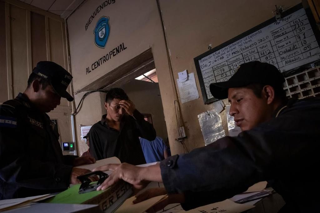 Những nhà tù chật ních ở Honduras giữa đại dịch Ảnh 4