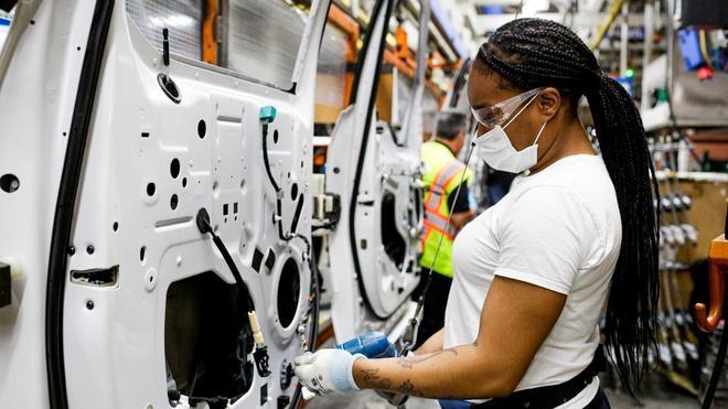 Nhà máy sản xuất ôtô Ford đóng cửa lần 3 vì virus corona Ảnh 1