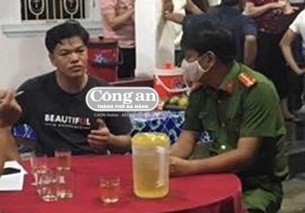 Nam công nhân bị giấu xác trong cốp ô-tô rời Đà Nẵng Ảnh 1