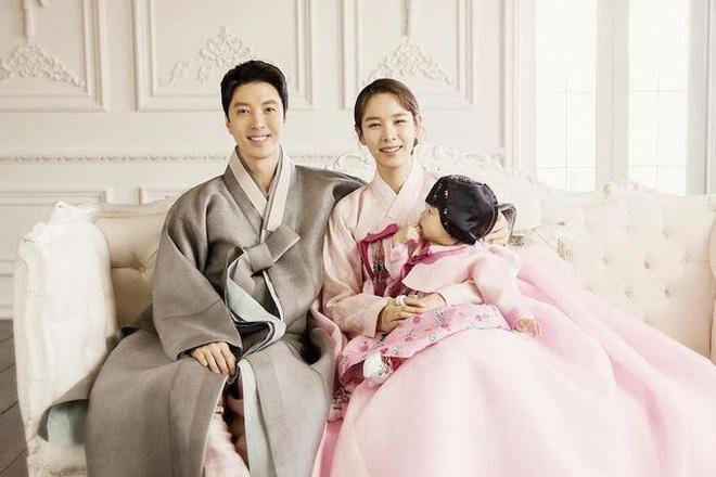 Lee Dong Gun và Jo Yoon Hee ly dị sau 3 năm kết hôn Ảnh 4