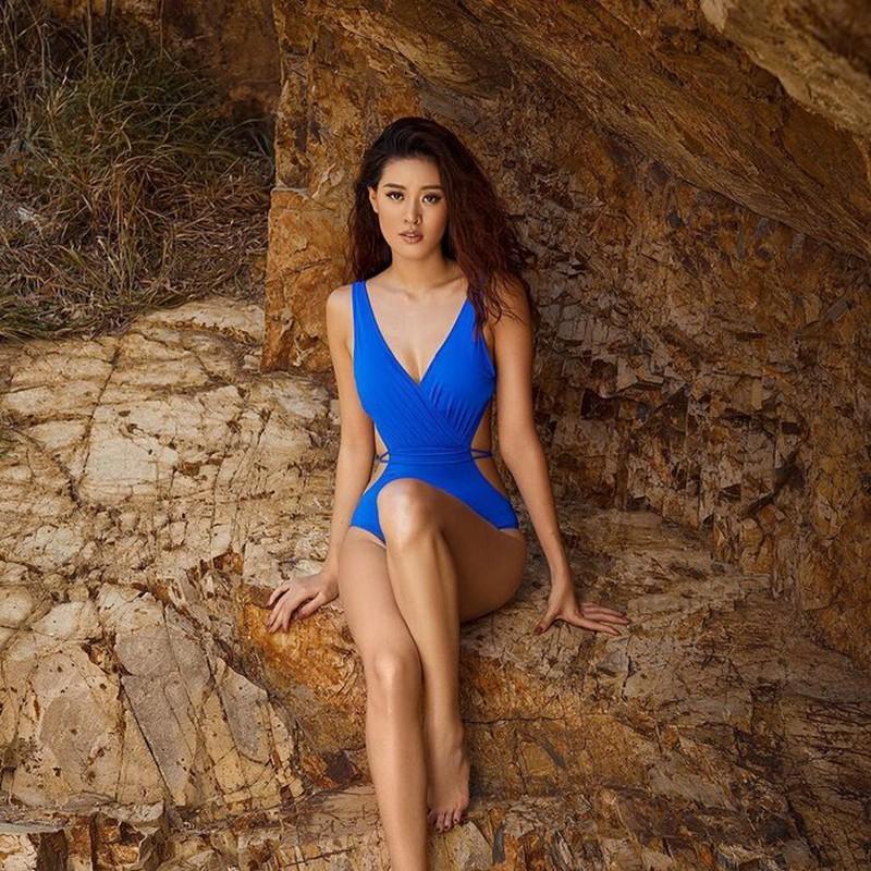 Từ Selena Gomez đến mỹ nhân Việt thích đồ bơi mùa hè nào nhất Ảnh 6