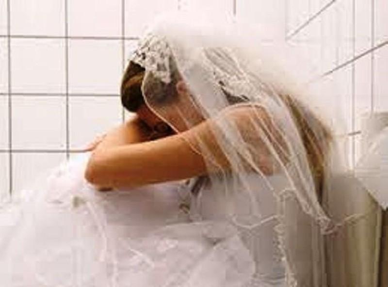 Khóc một mình đêm tân hôn vì ham chồng đại gia Ảnh 1
