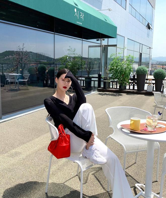 8 chiêu mix đồ đẹp thần thái của nàng Bạch Tuyết xứ Hàn Ảnh 14