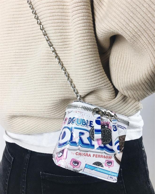 Chế hộp giày Nike thành túi Dior hơn 3.000 USD Ảnh 6