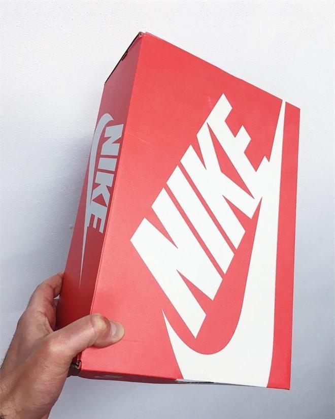 Chế hộp giày Nike thành túi Dior hơn 3.000 USD Ảnh 1