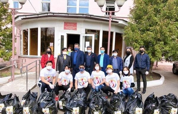 Hội người Việt tại Voronezh, Nga trao 70 suất quà trị giá hơn 110.000 rubble cho người cao tuổi tại thành phố Ảnh 1