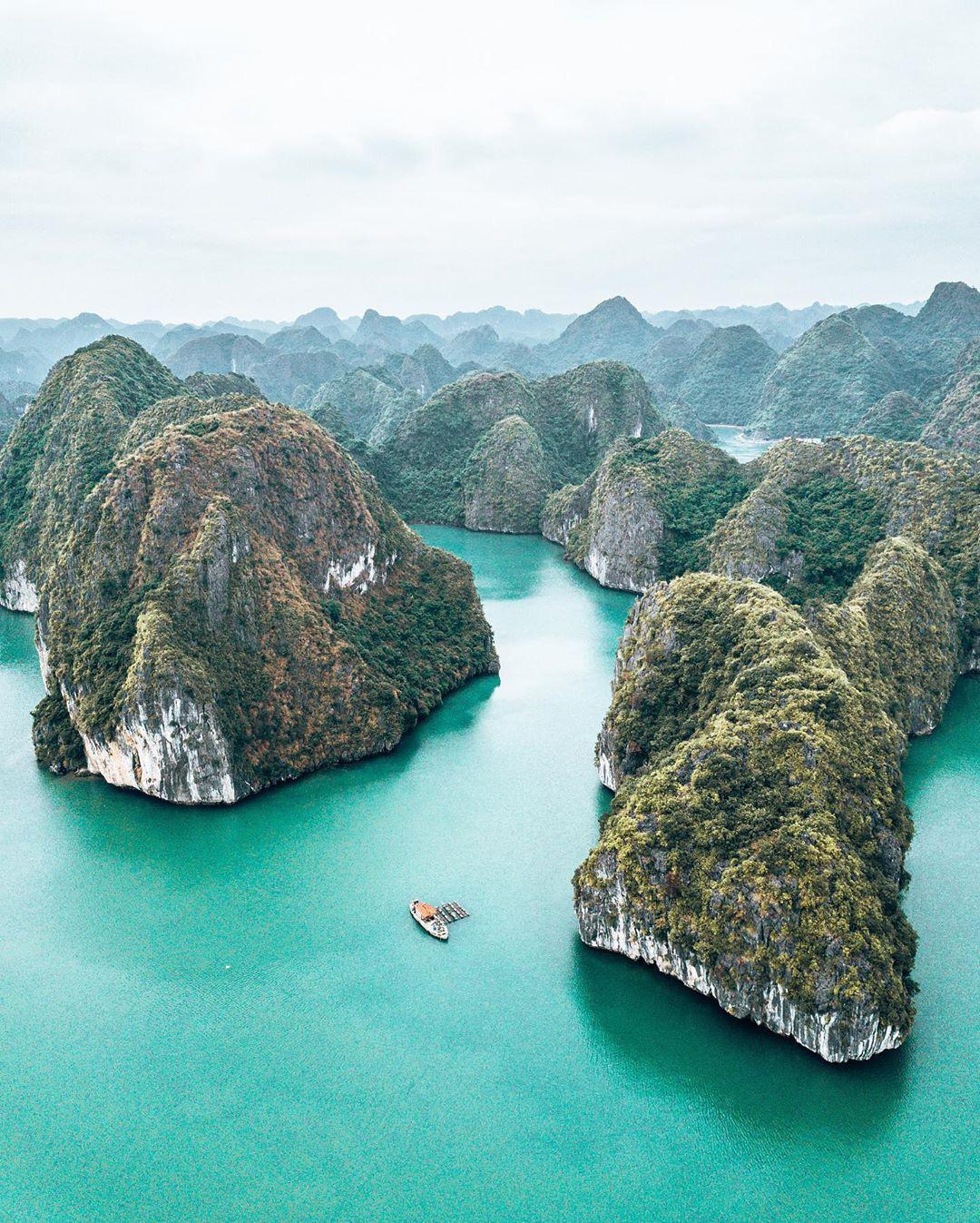 Ai tới vịnh Lan Hạ rồi mới hiểu tại sao Leonardo DiCaprio phải tấm tắc khen ngợi: Vẻ đẹp hoang sơ của 'thiên đường bị bỏ quên' giữa Hải Phòng Ảnh 6