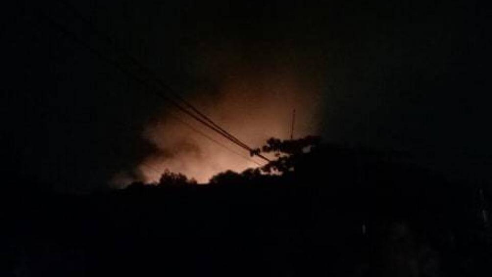 Đang cháy lớn tại làng nghề gỗ Liên Hà, Đan Phượng, Hà Nội Ảnh 3