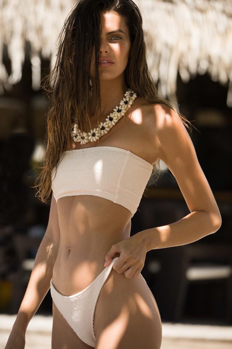 Nàng mẫu Kamila Hansen quá đỗi gợi cảm với áo tắm Ảnh 7