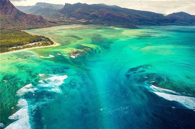 Mãn nhãn ngắm nhìn ngọn thác dưới đáy biển ở Mauritius Ảnh 5