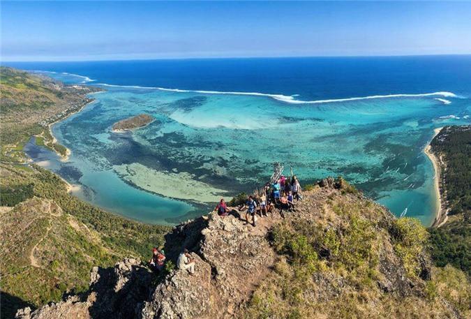 Mãn nhãn ngắm nhìn ngọn thác dưới đáy biển ở Mauritius Ảnh 6