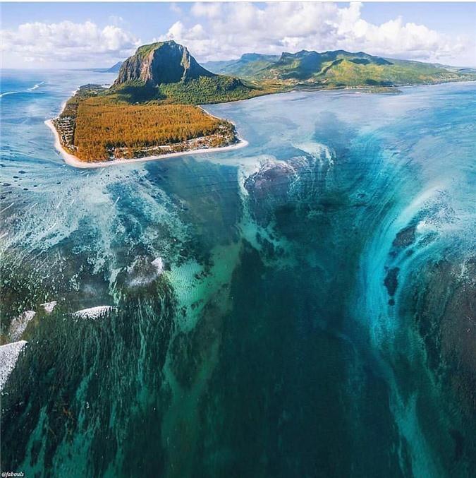 Mãn nhãn ngắm nhìn ngọn thác dưới đáy biển ở Mauritius Ảnh 4