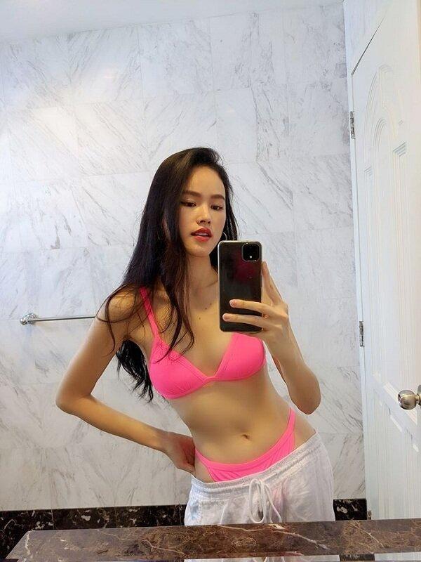 Nàng mẫu Tuyết Lan cực gắt khi 'bắt sóng' kiểu mặc bikini mix quần xệ lộ nội y như chân dài Bella Hadid Ảnh 5