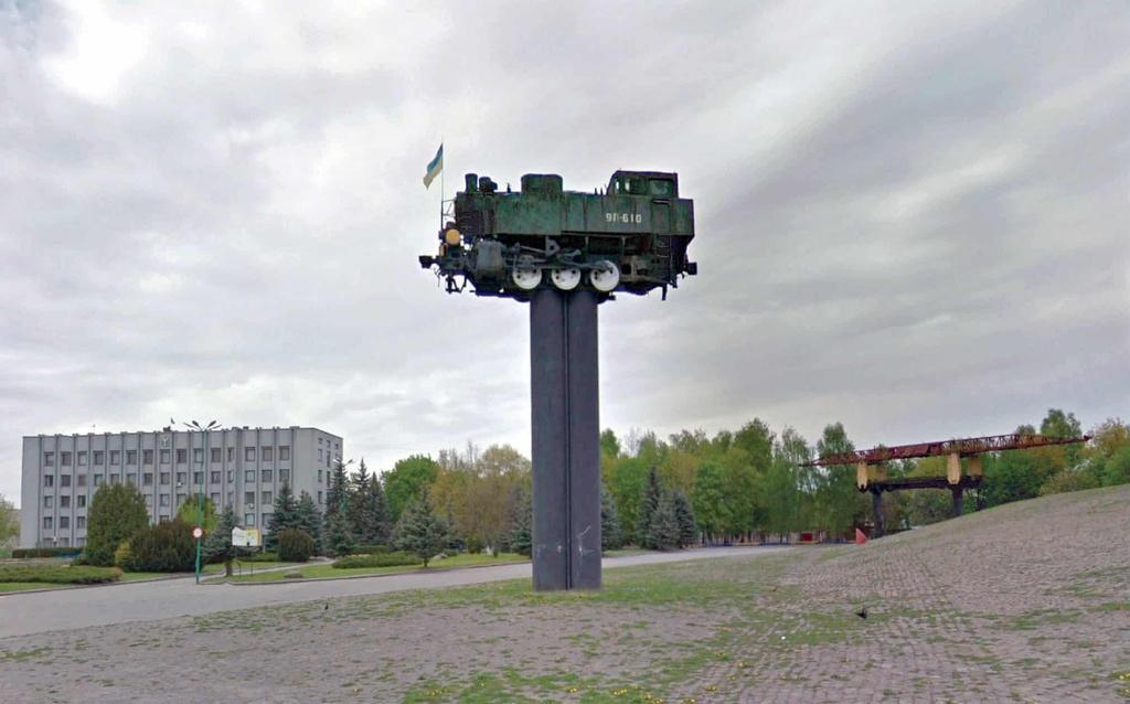 Những tượng đài lạ được xây dựng từ thời Liên Xô Ảnh 9