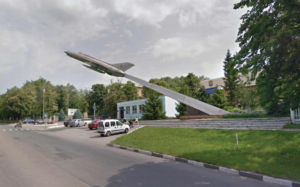Những tượng đài lạ được xây dựng từ thời Liên Xô Ảnh 2