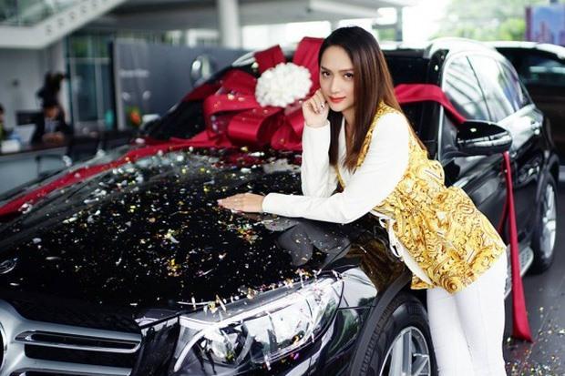 Dàn xế sang có giá hơn 13 tỉ của Hoa hậu Hương Giang Ảnh 4