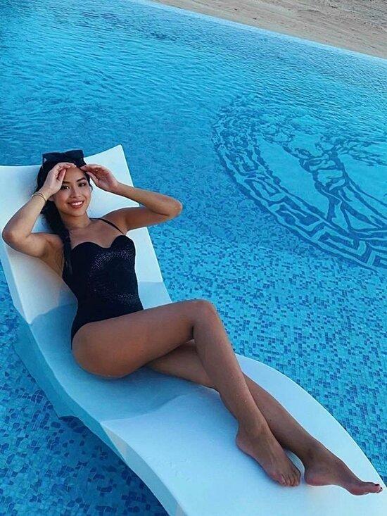 Hà Tăng - Tiên Nguyễn đọ dáng với bikini, cặp chị dâu em chồng hot nhất Vbiz là đây! Ảnh 2