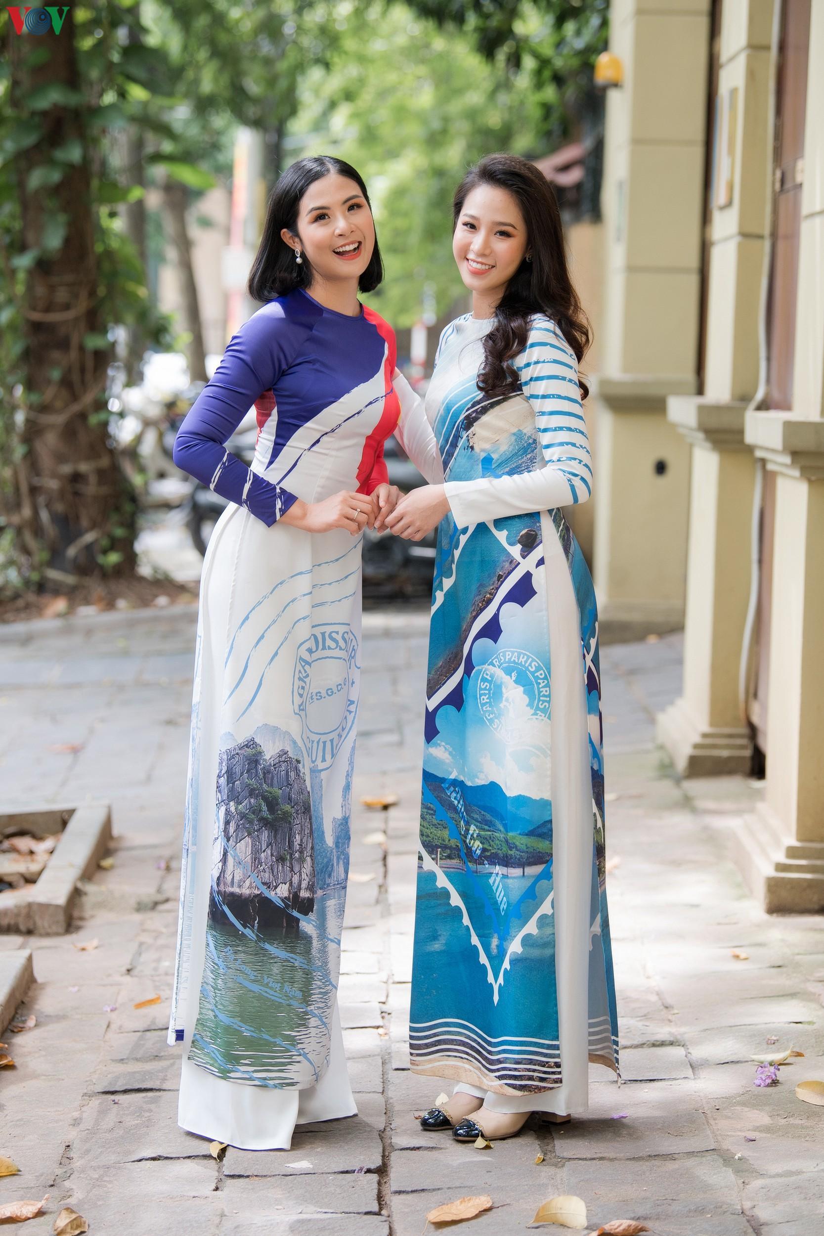 Hoa hậu Ngọc Hân, Đỗ Mỹ Linh đọ dáng với áo dài in hình biển đảo Ảnh 7