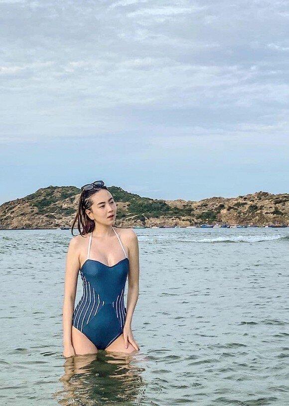 MC Mai Ngọc khoe vóc dáng nuột nà với đồ bơi khiến cư dân mạng 'dậy sóng' Ảnh 1