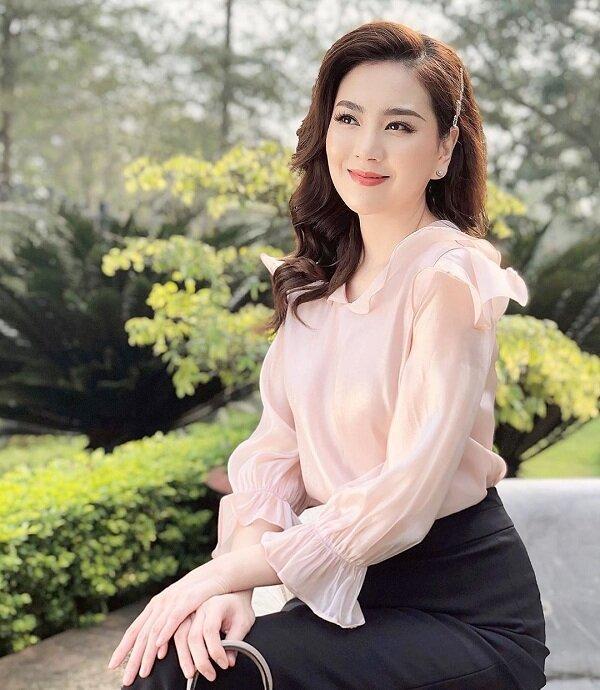 MC Mai Ngọc khoe vóc dáng nuột nà với đồ bơi khiến cư dân mạng 'dậy sóng' Ảnh 7