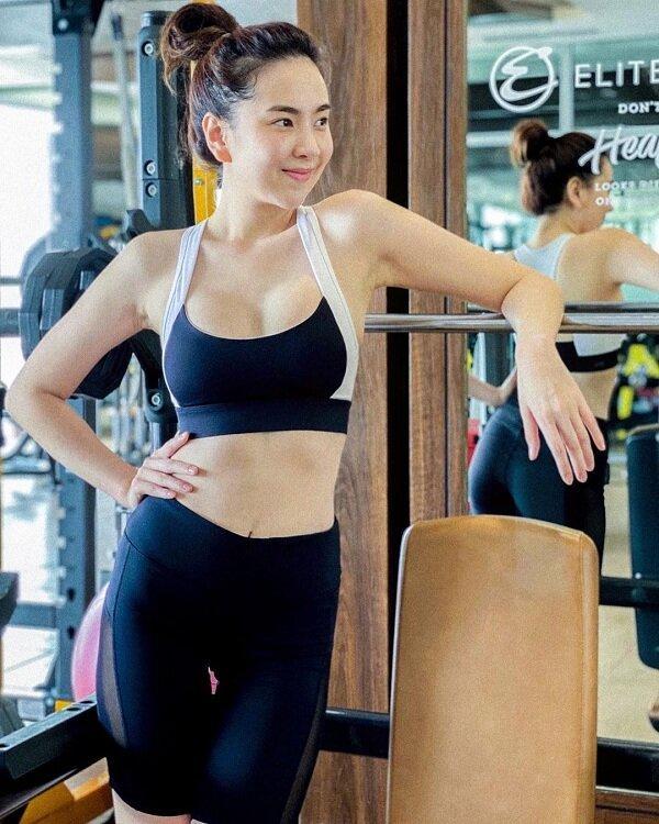 MC Mai Ngọc khoe vóc dáng nuột nà với đồ bơi khiến cư dân mạng 'dậy sóng' Ảnh 3