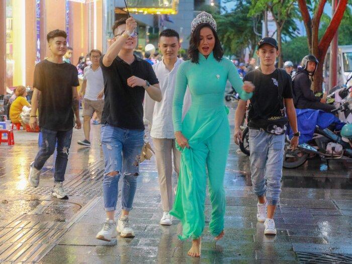 Hoài Sa có National Costume 'Bà Triệu', Khánh Vân mang 'Trưng Nữ Vương' oanh tạc Miss Universe? Ảnh 18