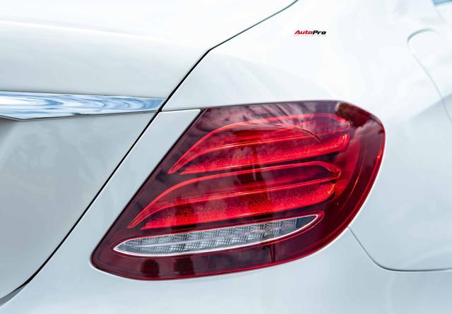 Mua lại Mercedes-Benz E 200 Sport mới chạy 2.000km, đại gia Việt lời tới nửa tỉ đồng Ảnh 9