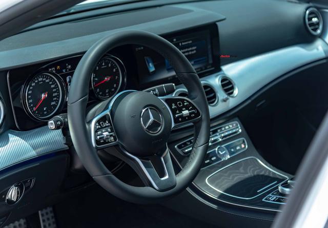 Mua lại Mercedes-Benz E 200 Sport mới chạy 2.000km, đại gia Việt lời tới nửa tỉ đồng Ảnh 12