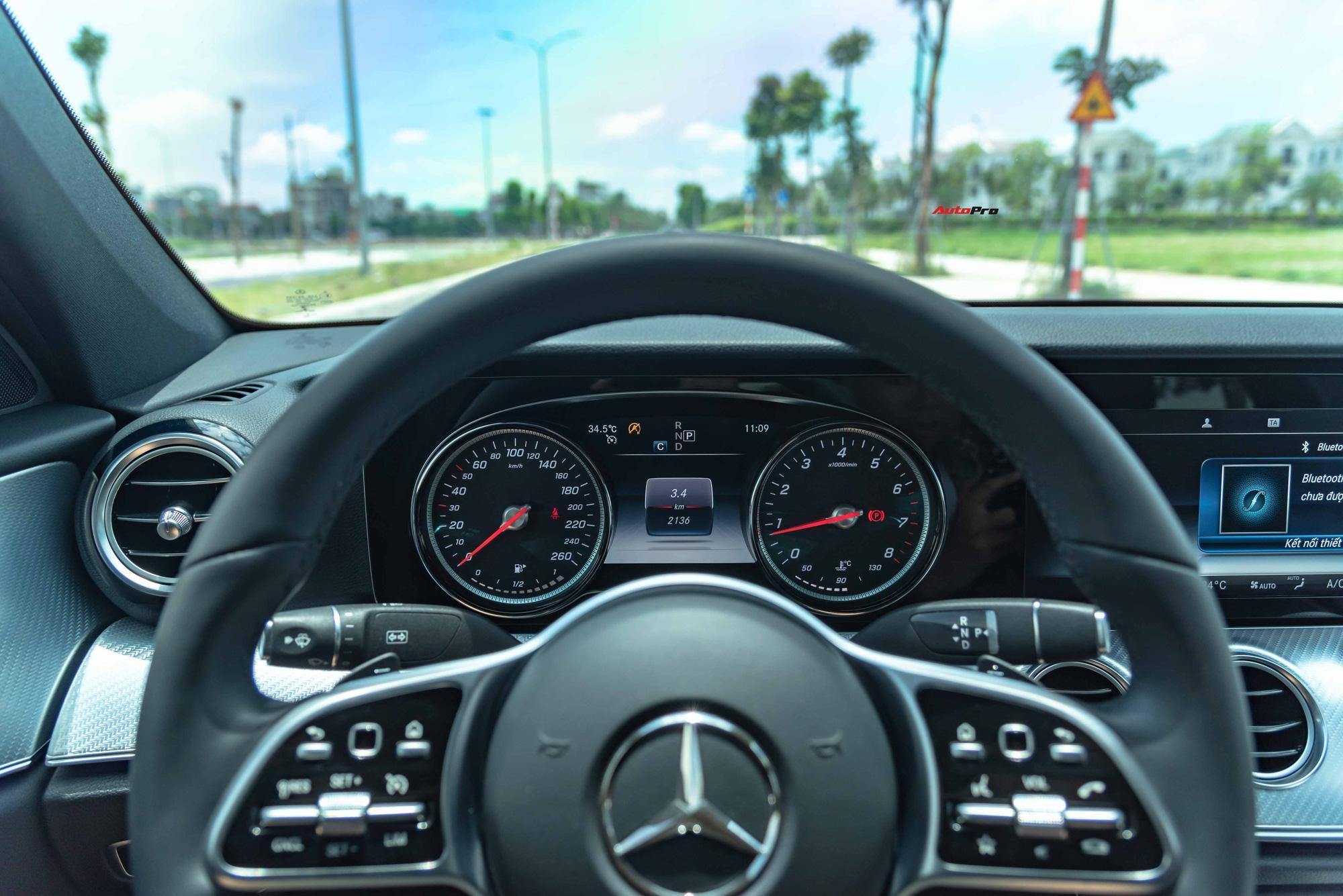 Mua lại Mercedes-Benz E 200 Sport mới chạy 2.000km, đại gia Việt lời tới nửa tỉ đồng Ảnh 19
