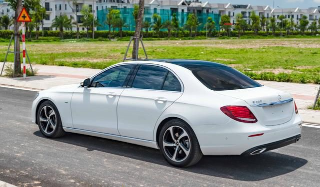 Mua lại Mercedes-Benz E 200 Sport mới chạy 2.000km, đại gia Việt lời tới nửa tỉ đồng Ảnh 3