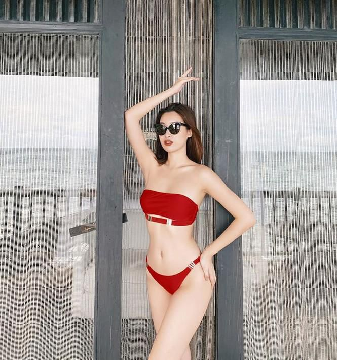 Không thể rời mắt khỏi dàn Hoa hậu khoe ngực đầy, eo thon trong bikini nóng bỏng Ảnh 1