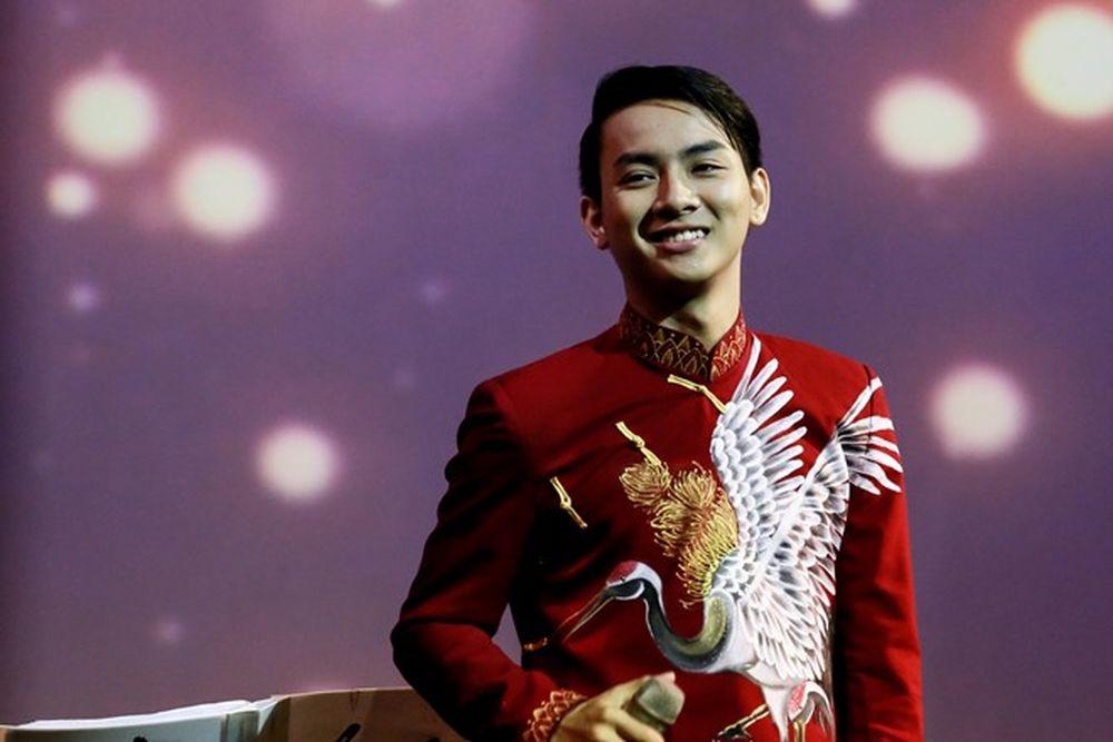 Trong album này, Hoài Linh tư vấn cho Hoài Lâm cách thể hiện để không làm  mất đi chất nhạc xưa vốn có. Nhạc trữ tình vốn thế mạnh của Hoài Lâm ...