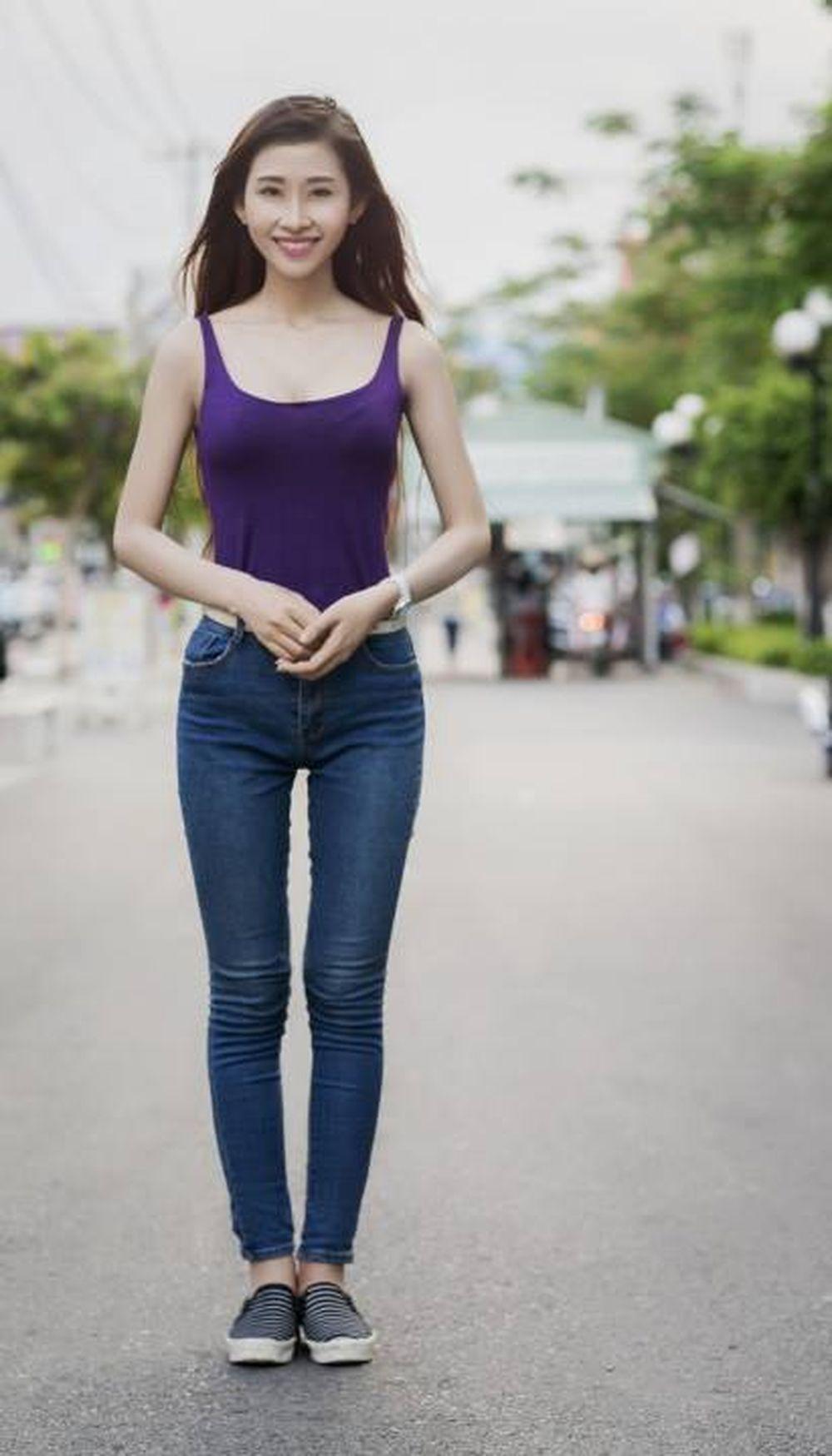 9X Sài thành ngực khủng cực quyến rũ cùng với vòng eo nuột nà mà nhiều cô  gái trẻ mơ ước. Sở hữu chiều cao 1m70, vòng eo 58cm, ...