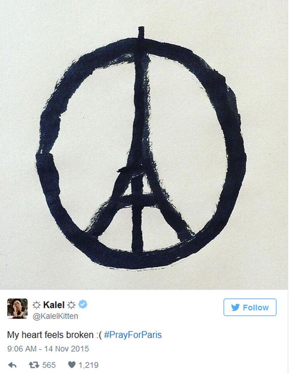 Tháp Eiffel Tắt đèn Thế Giới Cầu Nguyện Cho Paris Báo