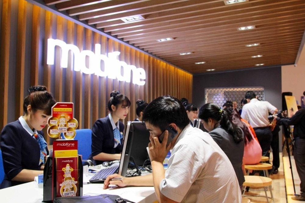 Sau 1 tháng triển khai, Mobifone mới chỉ có 1 cửa hàng tại số 80 Nguyễn Du.