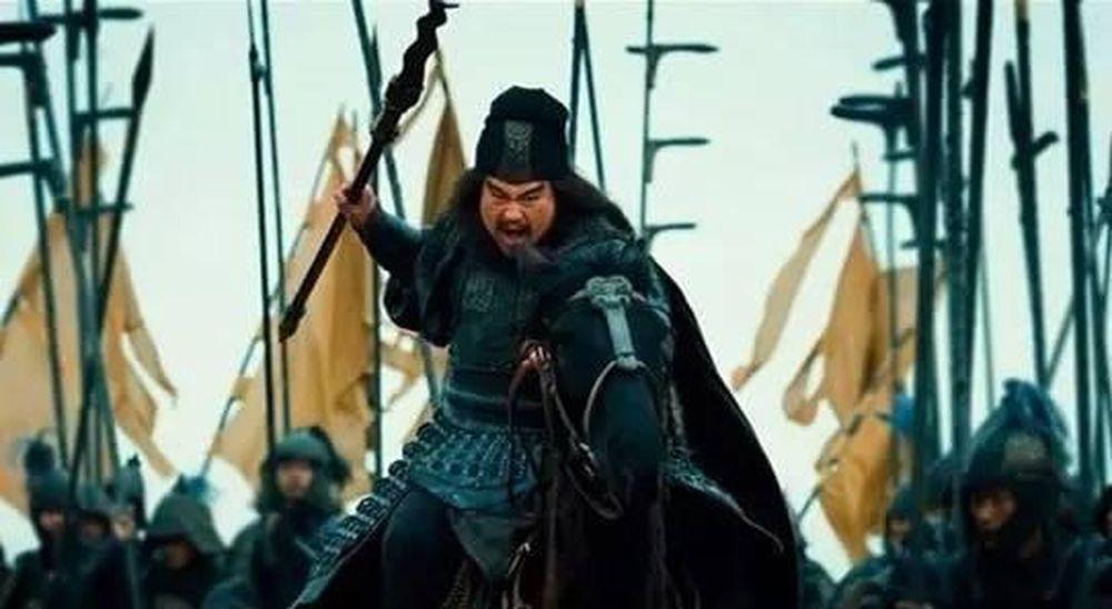Người sử dụng mâu nổi tiếng trong Tam Quốc Diễn Nghĩa có Trương Phi –  Trương Dực Đức, là một mãnh tướng sử dụng xà mâu dài trượng tám hết sức  dũng ...