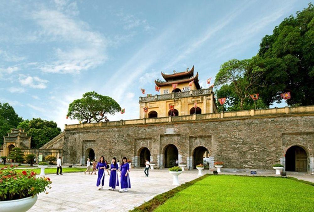 Kỳ họp lần thứ 34 của Ủy ban Di sản Thế giới họp tại Braxin ngày 31/7/2010  đã công nhận Khu Trung tâm Hoàng thành Thăng Long - Hà Nội là Di ...