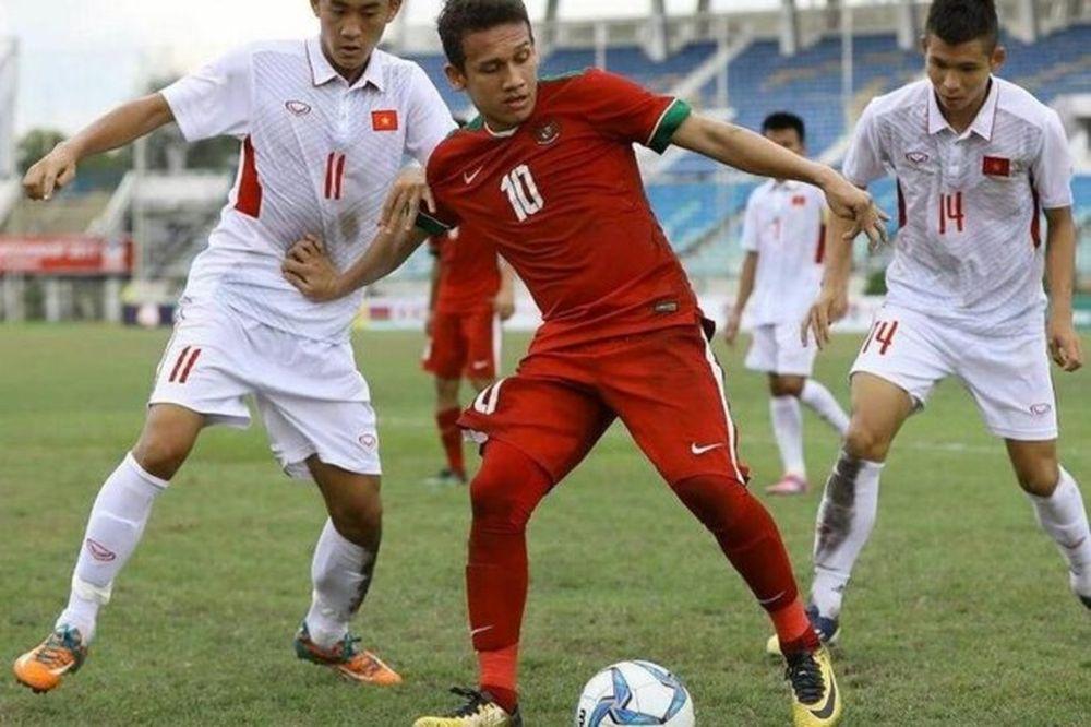 Tiền đạo tuổi teen của U-8 Indonesia đã được các CLB châu Âu để mắt đến.  Đây là một tiền đạo cực kỳ giàu triển vọng của bóng đá Indonesia, ...