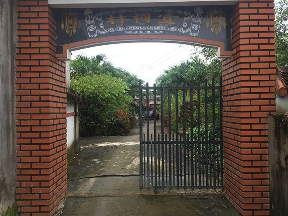 Cổng vào nhà từ đường họ Lâm phái III, nơi võ sư Lâm Ngọc Ánh dạy võ