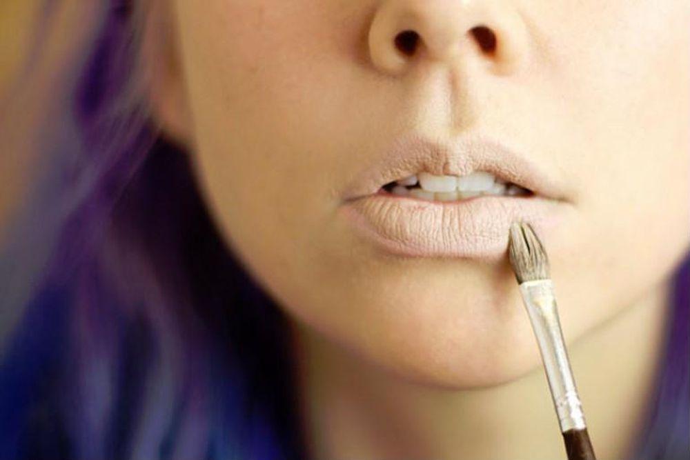 Kết quả hình ảnh cho sử dụng che khuyết điểm cho môi