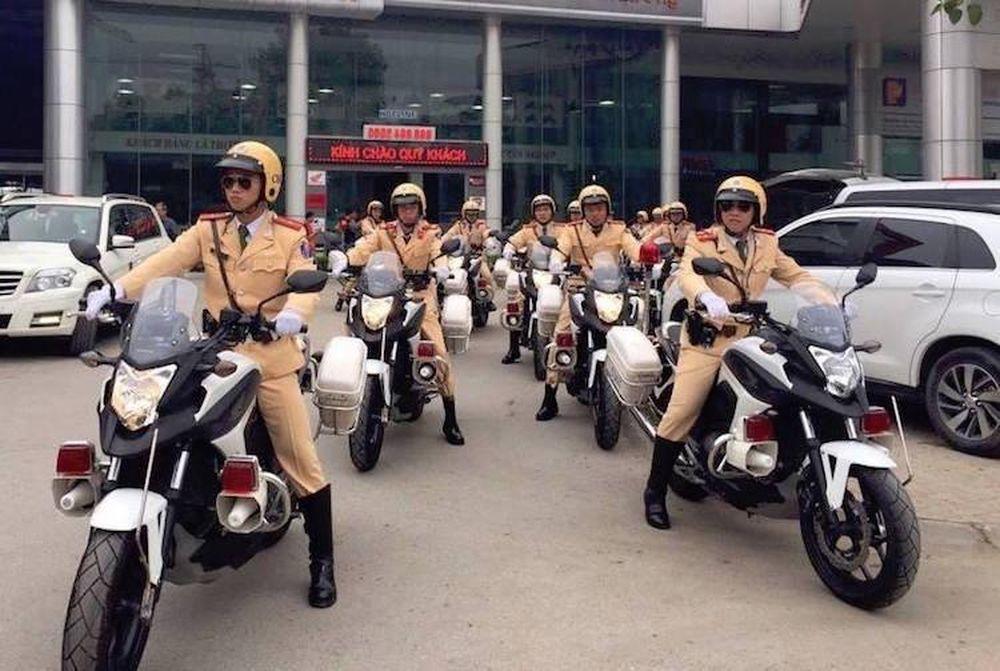 Dàn xe ôtô, môtô PKL 'đặc chủng' phục vụ Đại hội Đảng - Báo Kiến Thức