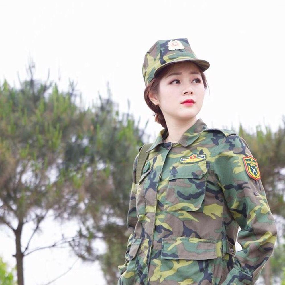 Cư dân mạng phát cuồng với 'nữ quân nhân' xinh đẹp vạn người mê ...