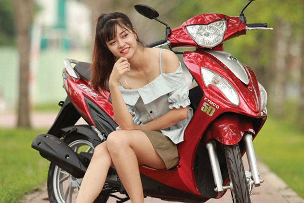Kymco Việt Nam là hãng xe máy đầu tiên sản xuất dòng xe tay ga 50cc dành  cho đối tượng học sinh, sinh viên và những người chưa có bằng lái.