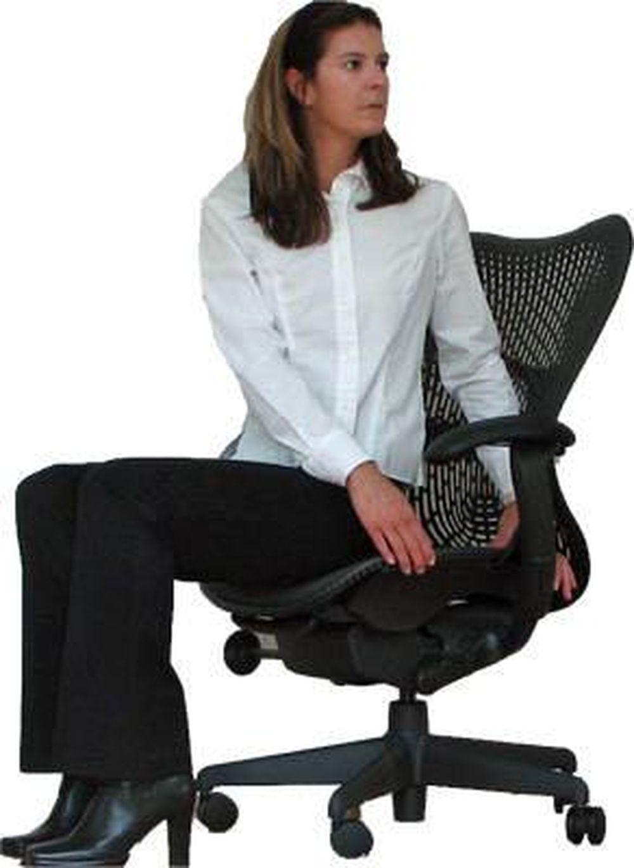Kết quả hình ảnh cho tư thế vặn người với ghế