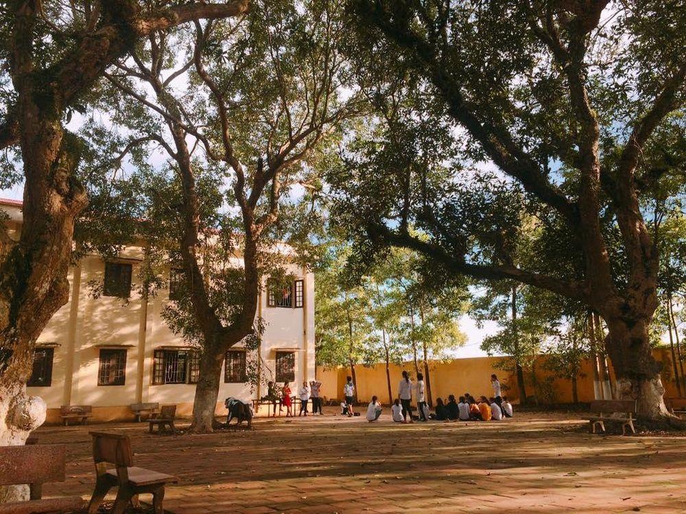 ... trường THPT Yên Khánh A, huyện Yên Khánh, tỉnh Ninh Bình cùng nhìn lại  những hình ảnh đầy thân quen dưới đây, để được trở về với những ký ức tuyệt  đẹp ...