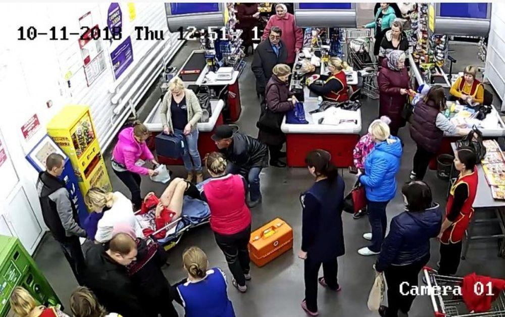 Người phụ nữ sinh con trong siêu thị chỉ vỏn vẹn trong 11 phút.