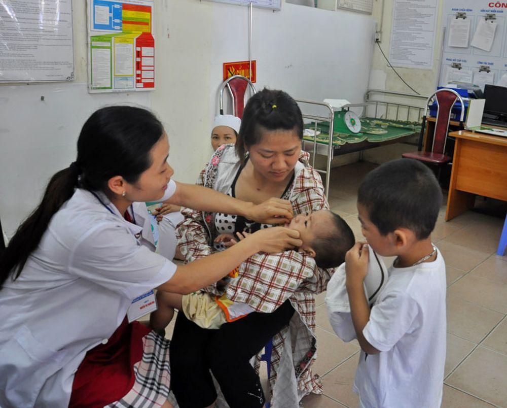 ... Hà Nội sẽ có 447.919 trẻ 6 đến 36 tháng tuổi được uống vitamin A; trong  đó, số trẻ 13-36 tháng tuổi là 365.102 trẻ, còn lại là trẻ 6-12 tháng tuổi.