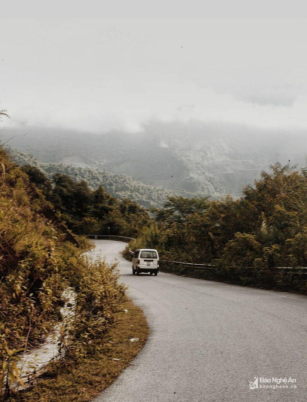 ... sở hữu tài khoản Instagram gần 18 nghìn lượt theo dõi với những hình ảnh tuyệt đẹp chụp phong cảnh thiên nhiên hùng vĩ của miền Tây xứ Nghệ.