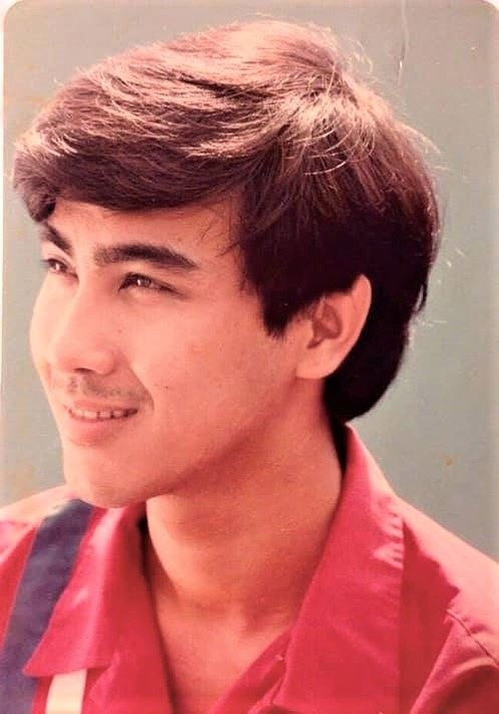 Có thể thấy thời trai trẻ, Quyền Linh sở hữu vẻ đẹp lãng tử, điển trai không kém bất kì một mỹ nam showbiz nào hiện nay.