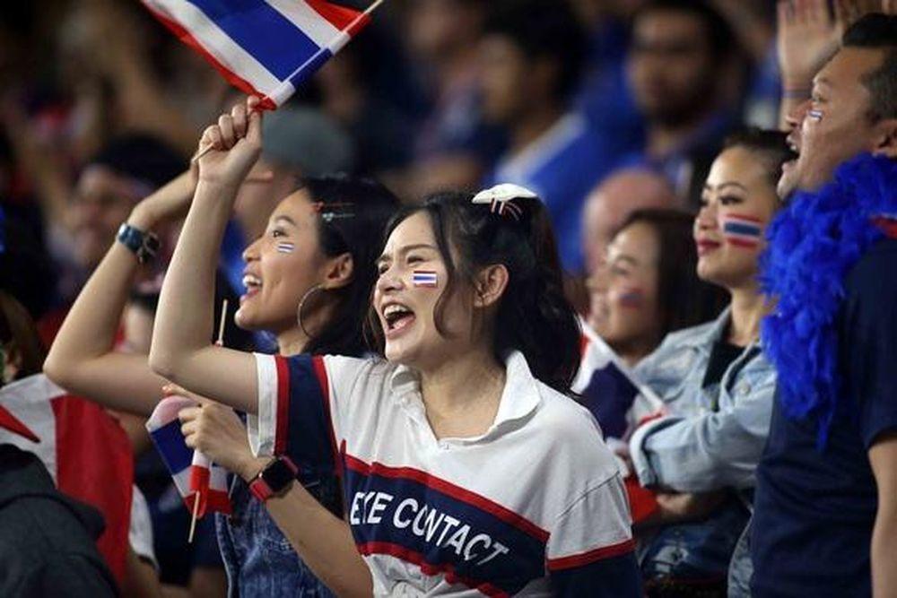 CĐV Thái Lan chua chát vì tiếp tục bị Việt Nam bỏ xa trên BXH FIFA